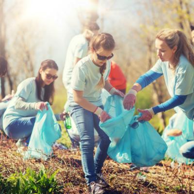 3 Ways to Volunteer With Your Children